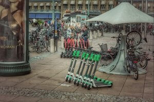 אופניים חשמליים ללא קסדה